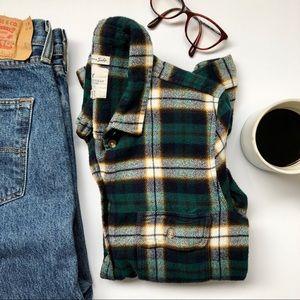 American Eagle   Amazing Soft Flannel Button-down